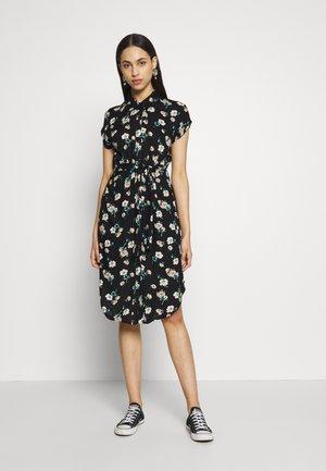 PCNYA SHIRT DRESS - Skjortekjole - black