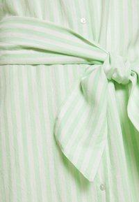 PIECES Tall - PCMELIKKA ANKLE DRESS - Skjortekjole - cloud dancer/pastel green - 2