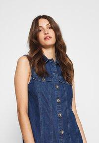 PIECES Tall - PCMALLE DRESS  - Jeanskleid - medium blue denim - 4