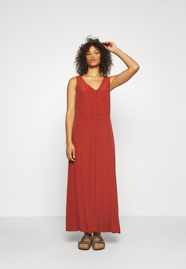 PCMELINA ANKLE DRESS TALL - Vestido informal - chili oil