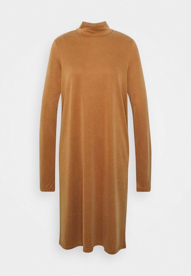 PCBAMALA TNECK DRESS - Jerseykjole - mocha bisque