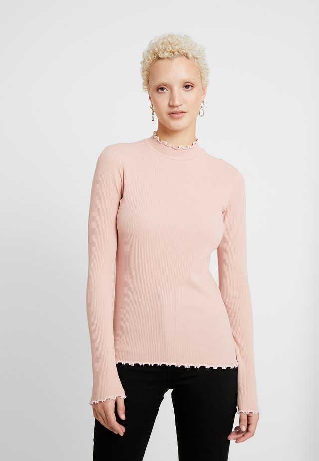 PCARDENA - Long sleeved top - misty rose/white scallop