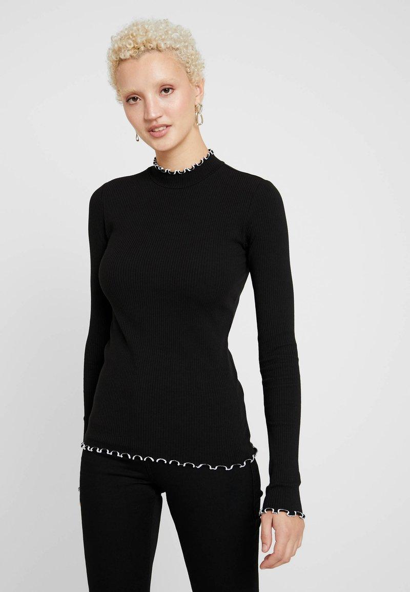 PIECES Tall - PCARDENA - Camiseta de manga larga - black/white scallop