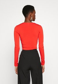 PIECES Tall - PCJIANNA CROPPED - Longsleeve - high risk red - 2