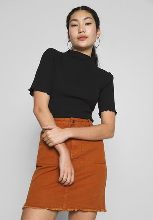 PCNUKISA MOCK NECK - Camiseta básica - black