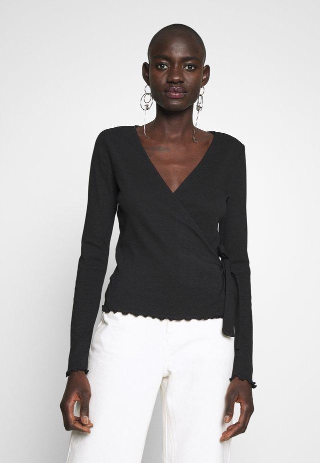 PCNADI WRAP - Langærmede T-shirts - black
