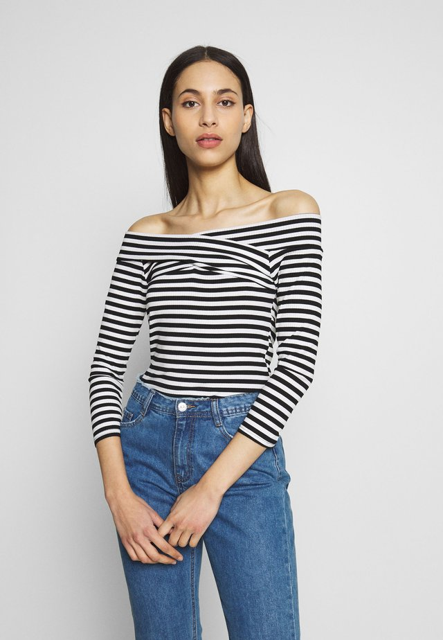 PCNOSINA OFF-SHOULDER TALL - Long sleeved top - cloud dancer