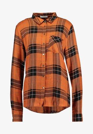 PCKANDI - Button-down blouse - picante