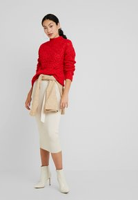 PIECES Tall - PCJIMMA HIGH NECK - Maglione - racing red - 1