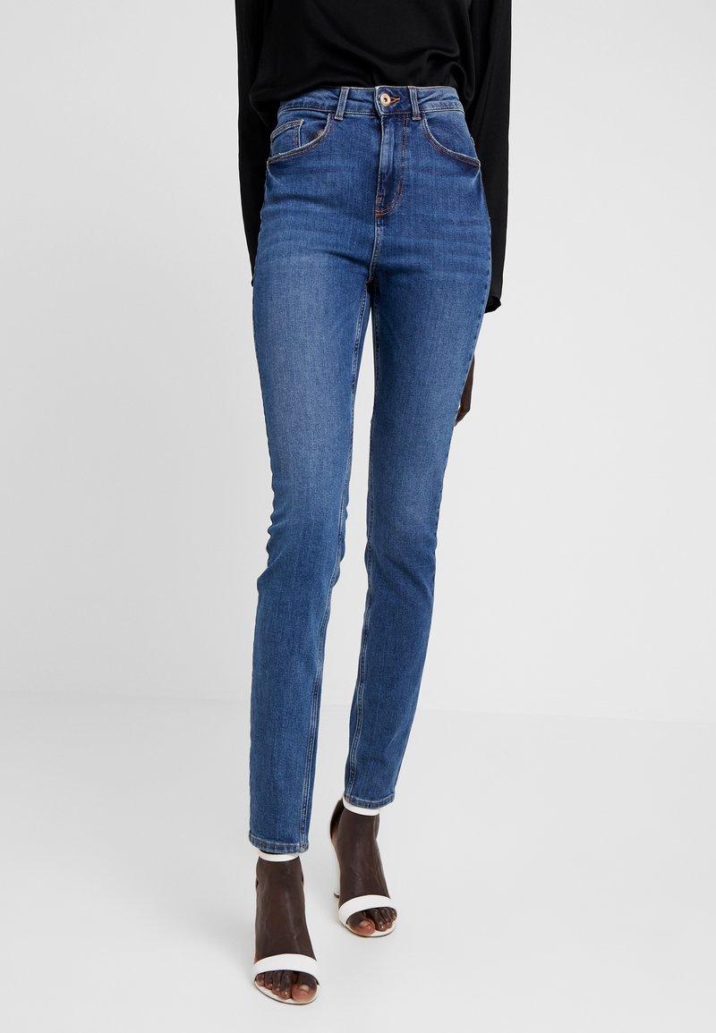 PIECES Tall - PCNINA - Jeans Skinny Fit - dark blue denim