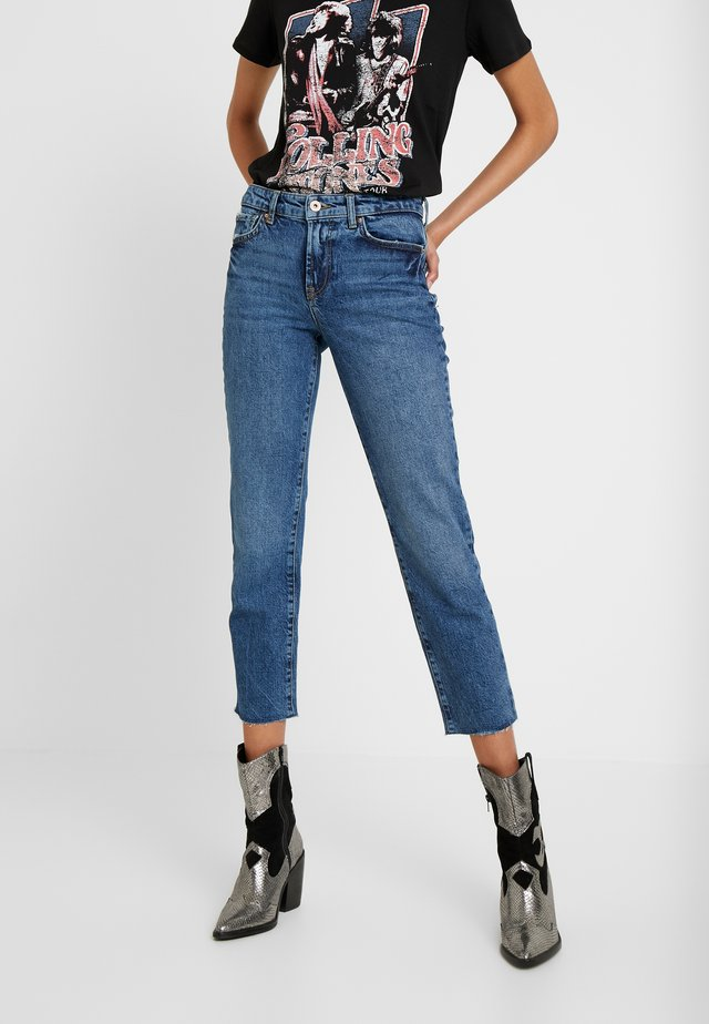 PCHOLLY - Straight leg jeans - medium blue denim