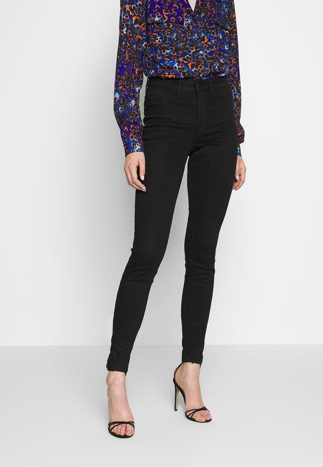 PCSHAPE UP SAGE - Jeans Skinny Fit - black