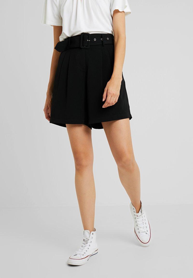 PIECES Tall - PCKASANDRA - Shorts - black