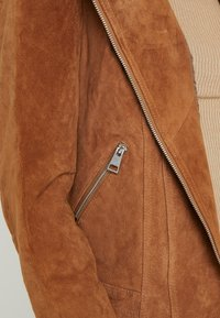 PIECES Tall - PCSUS JACKET - Giacca di pelle - toasted coconut - 5