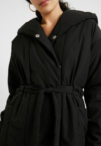PIECES Tall - PCEMILIE LONG ACKET - Parka - black - 5