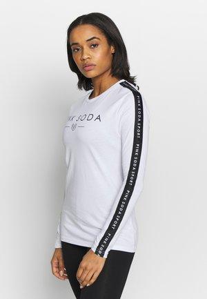 ROWE TAPE TEE  - Camiseta de manga larga - white