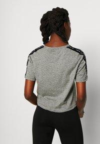 Pink Soda - BILLOW TAPE - T-shirt med print - mid grey grindle - 2