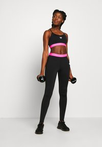 Pink Soda - KNOCKOUT TIGHT - Trikoot - black/pink - 1