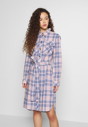 PCFIRA MIDI SHIRT DRESS - Denní šaty - kentucky blue/multi colored