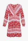PCELLA LS DRESS - Vestido informal - chili oil