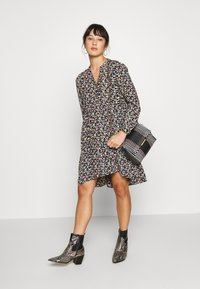 Pieces Petite - PCFRYA DRESS - Korte jurk - black - 1