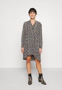 Pieces Petite - PCFRYA DRESS - Korte jurk - black - 0