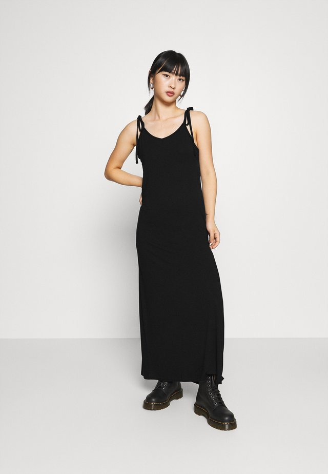 PCNEORA ANKLE DRESS PETITE  - Maxi šaty - black
