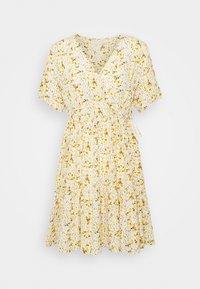 Pieces Petite - PCSUNNY WRAP DRESS - Day dress - popcorn - 0