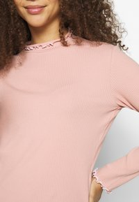 Pieces Petite - PCARDENA - Longsleeve - misty rose/white - 5