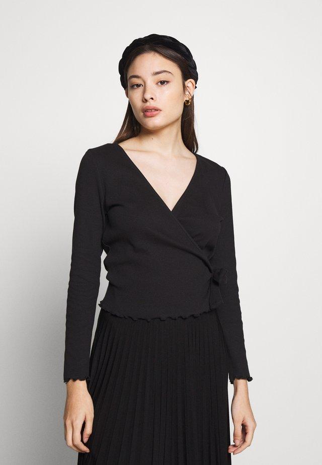 PCNADI WRAP TOP PETITE - T-shirt à manches longues - black