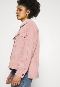Pieces Petite - PCEFFI SHIRT - Button-down blouse - ash rose - 3