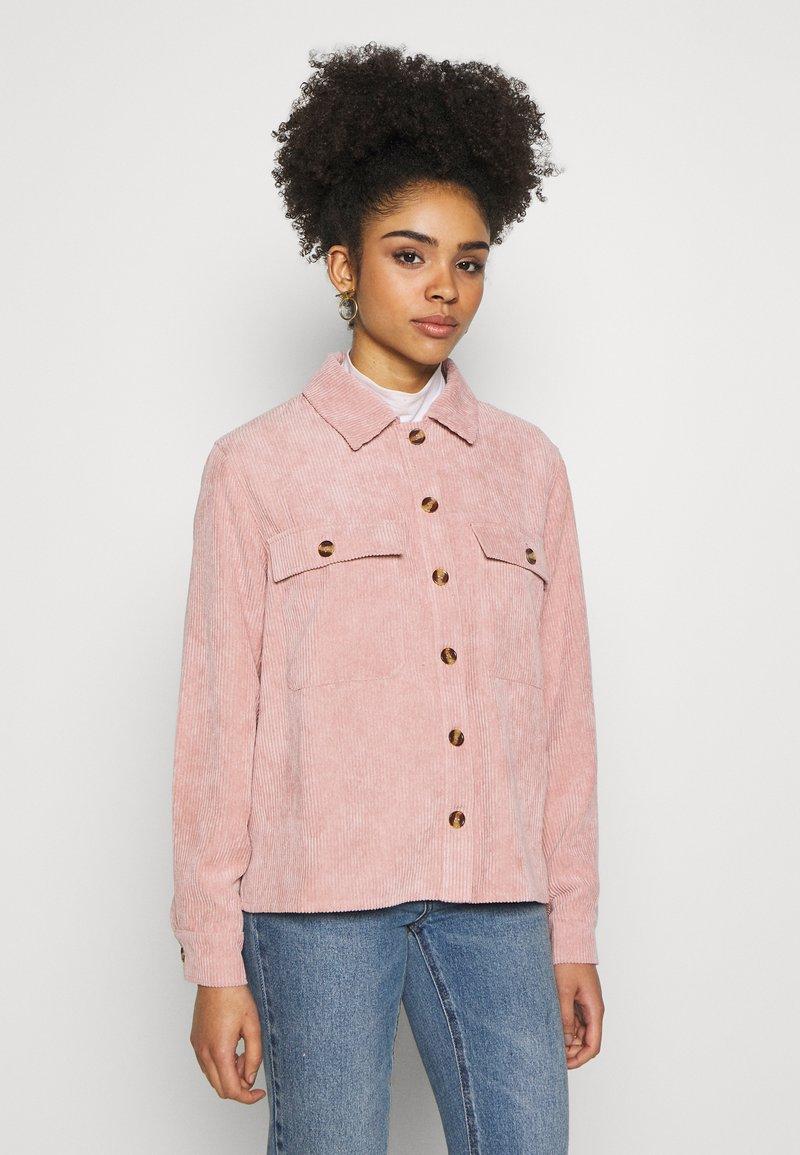 Pieces Petite - PCEFFI SHIRT - Button-down blouse - ash rose