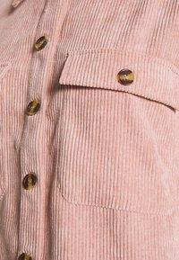 Pieces Petite - PCEFFI SHIRT - Button-down blouse - ash rose - 5