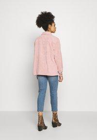 Pieces Petite - PCEFFI SHIRT - Button-down blouse - ash rose - 2