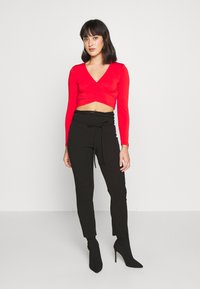 Pieces Petite - PCJIANNA CROPPED - Topper langermet - high risk red - 0
