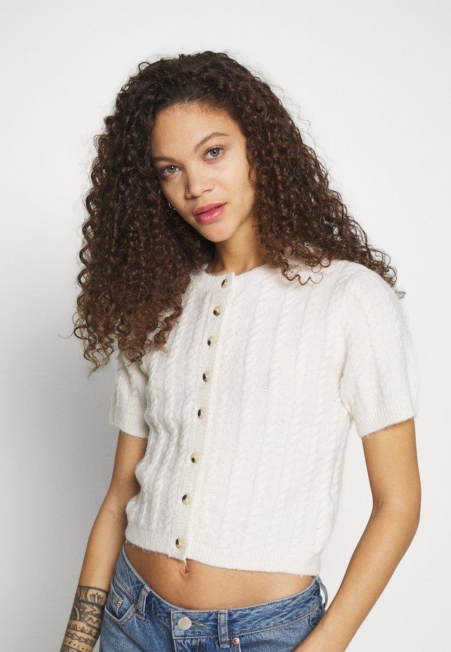 PCKROMMI - T-shirt med print - whitecap gray