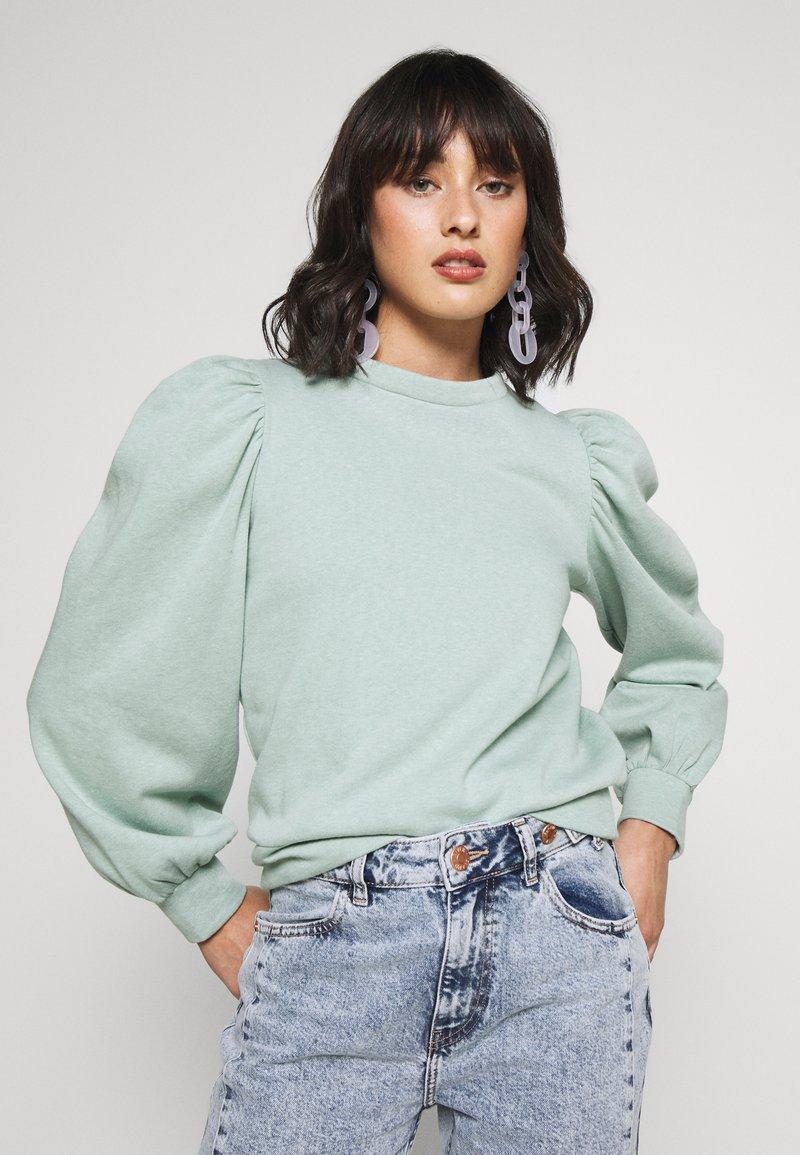 Pieces Petite - PCJASSI - Sweater - feldspar