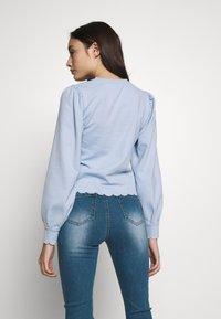 Pieces Petite - PCAUDREY IF PETITE - T-shirt à manches longues - kentucky blue - 2
