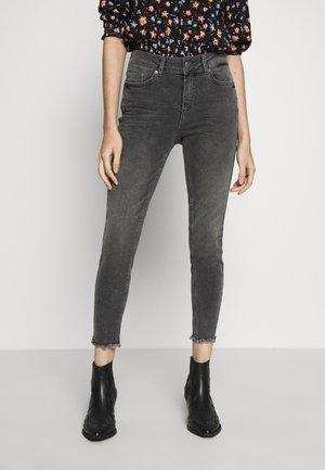 PCDELLY - Jeans Skinny - light grey denim