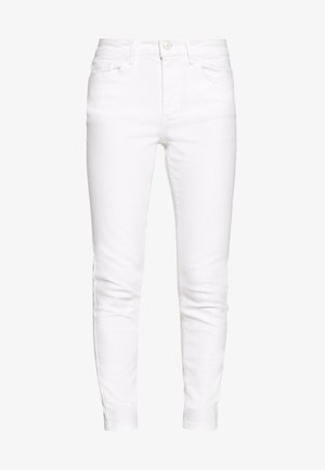 PCDELLY PETITE - Jeans Skinny Fit - bright white