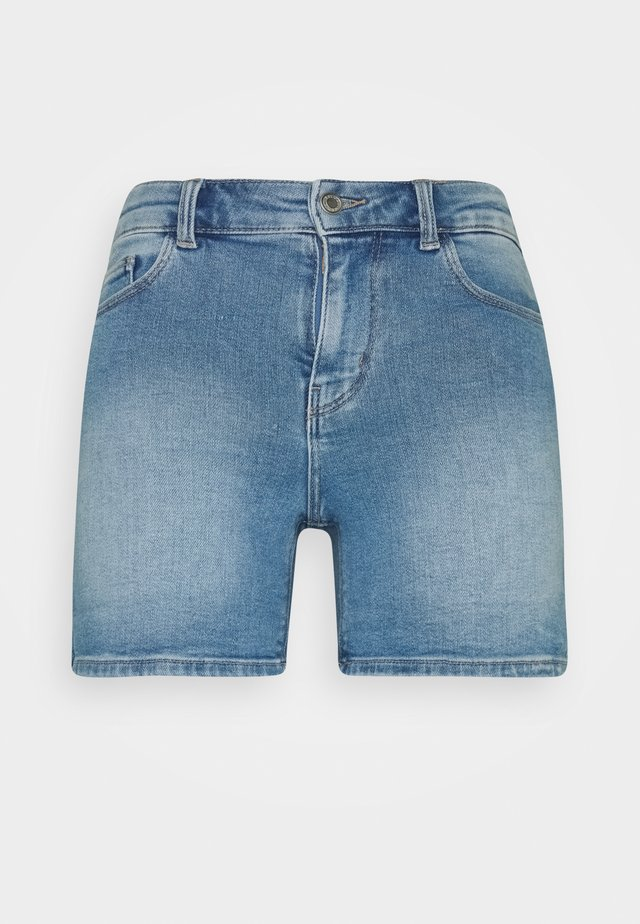 PCKAMELIA FOLD UP - Jeansshorts - light blue denim