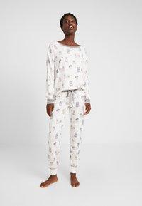 PJ Salvage - SET - Pyjama - off-white - 1