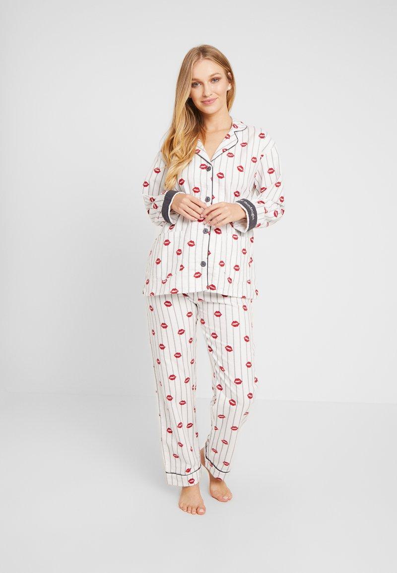 PJ Salvage - SET - Pyjama - off-white/red