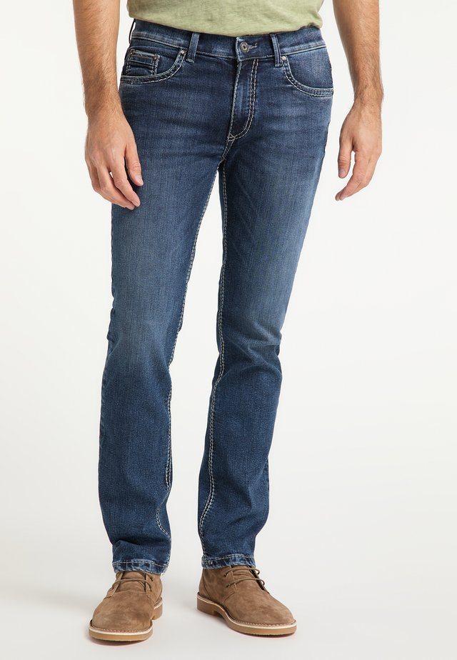RANDO HANDCRAFTED - Slim fit jeans - blue