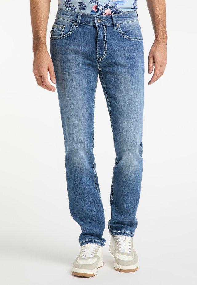 RANDO HANDCRAFTED - Slim fit jeans - stone blue denim