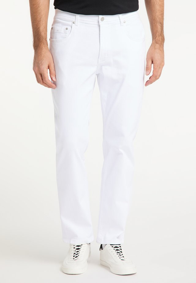 THOMAS  - Relaxed fit jeans - white