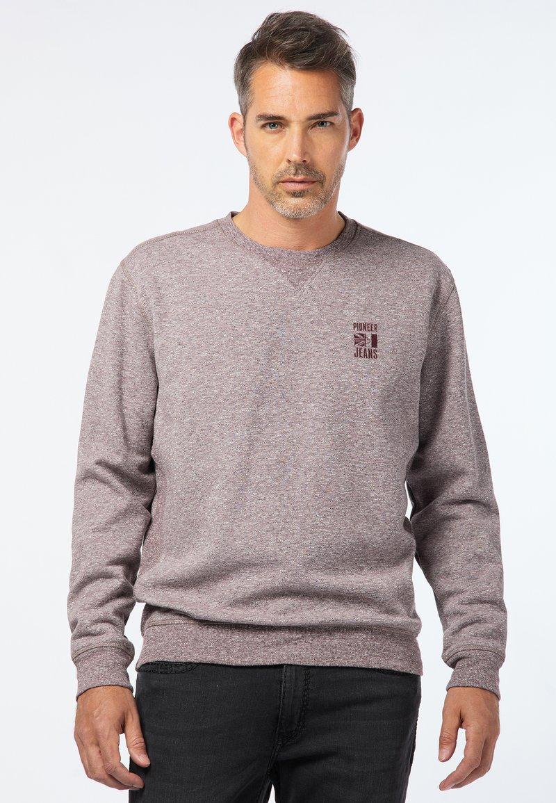 Pioneer Authentic Jeans - HERREN - Sweatshirt - bordeaux