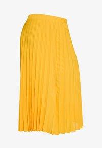 jaune / yellow gold