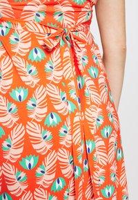 Pomkin - FÉLICIE - Sukienka z dżerseju - fond rouge - 6