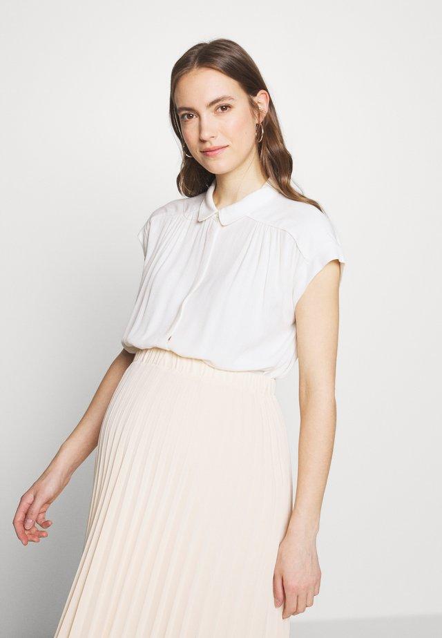 FRÉDÉRIQUE - Overhemdblouse - white
